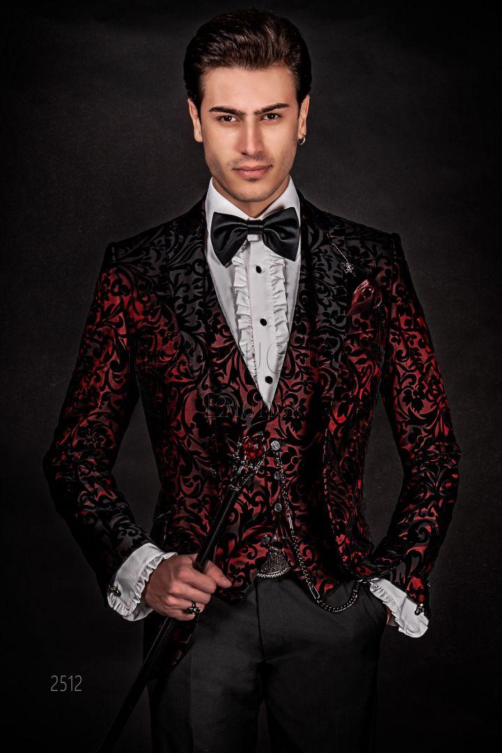 Giacca uomo rossa, inserti in velluto nero e pantalone nero