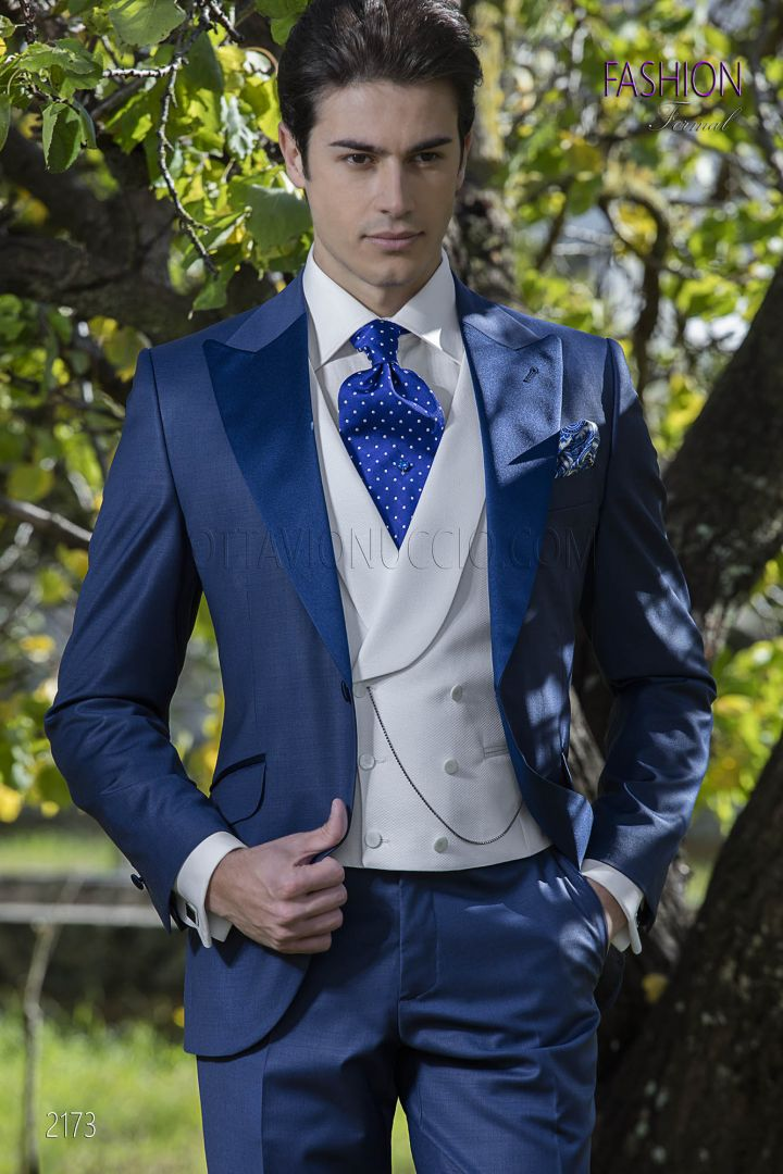 Blue italian suit for groom in wool blend with satin lapel