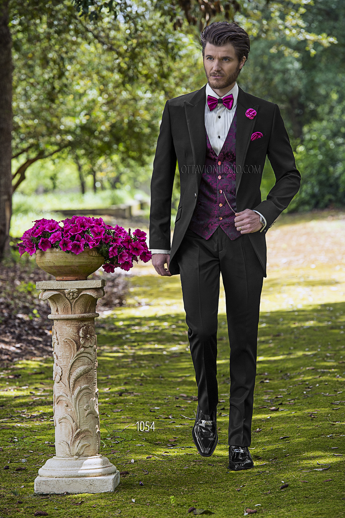 Short Tailed Fashion Suits in Black with Purple Jacquard Waistcoat