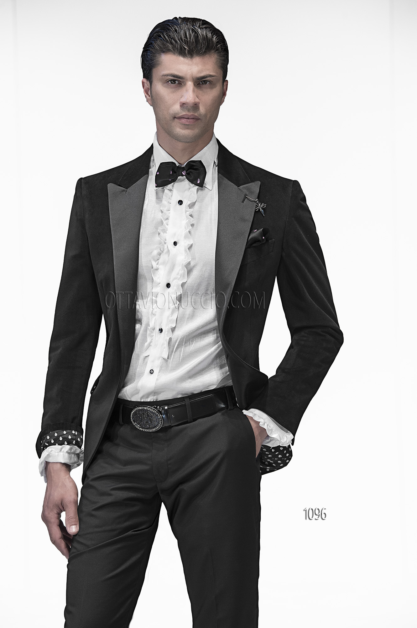 italienischer br utigam anzug schwarz aus samt. Black Bedroom Furniture Sets. Home Design Ideas
