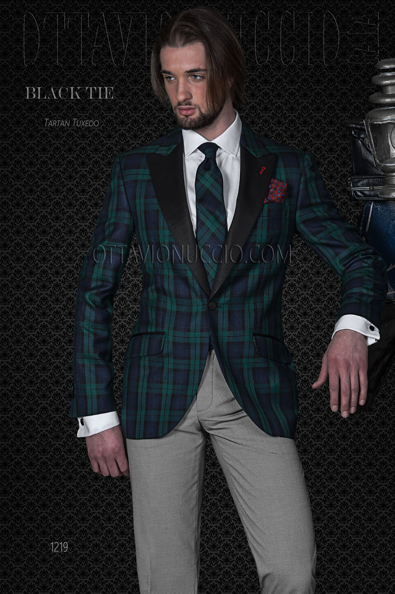 Tartan and houndstooth peak lapel groom suit
