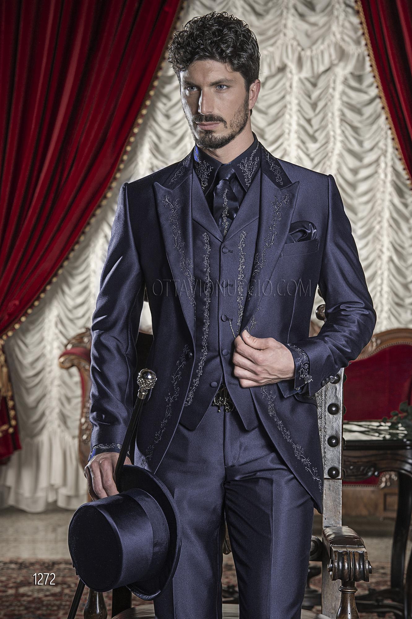 Abito da sposo uomo barocco in raso blu ricamato nero e