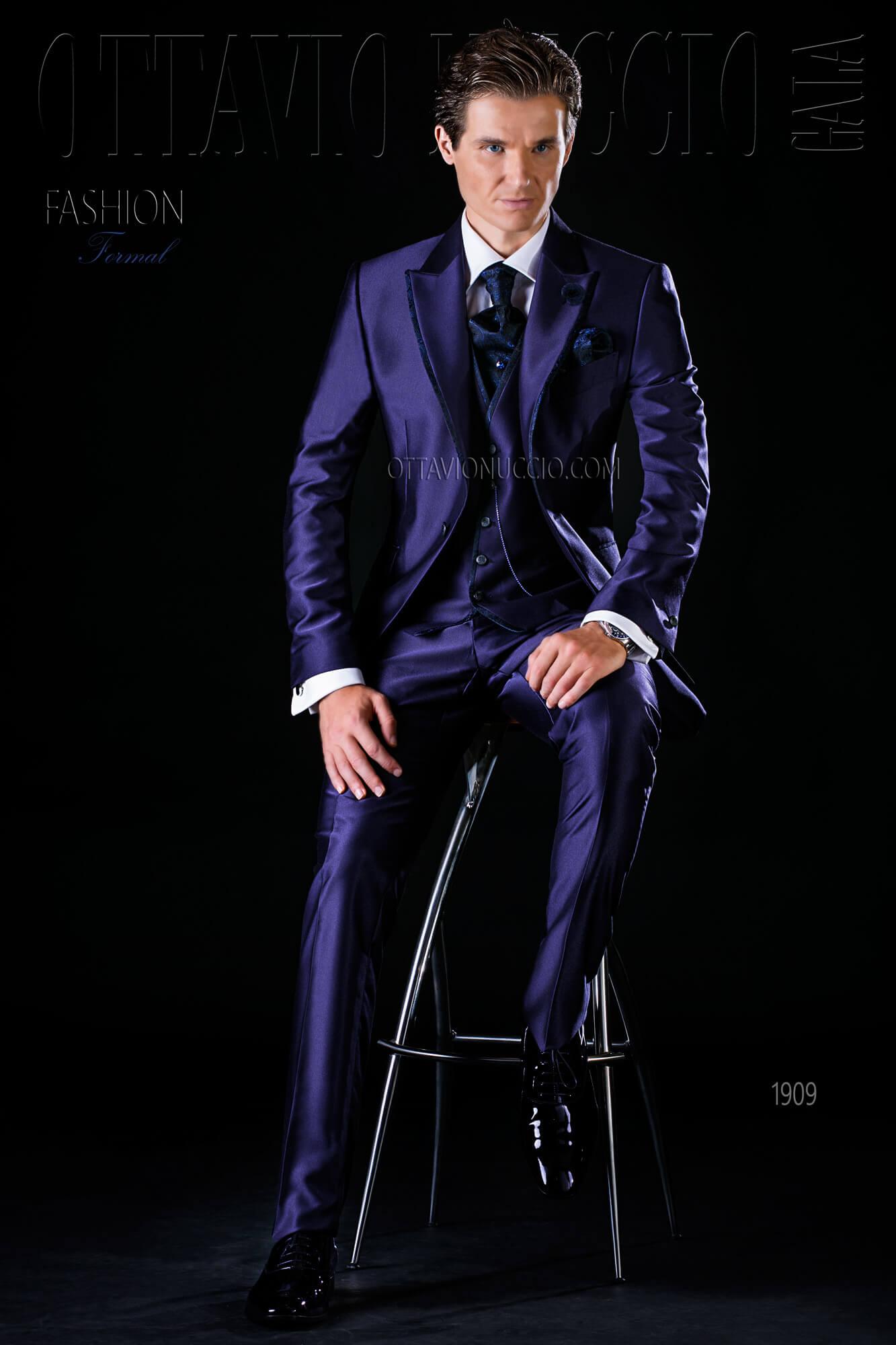 272beb7f1c34 Vestito sposo uomo blu lucido tre pezzi