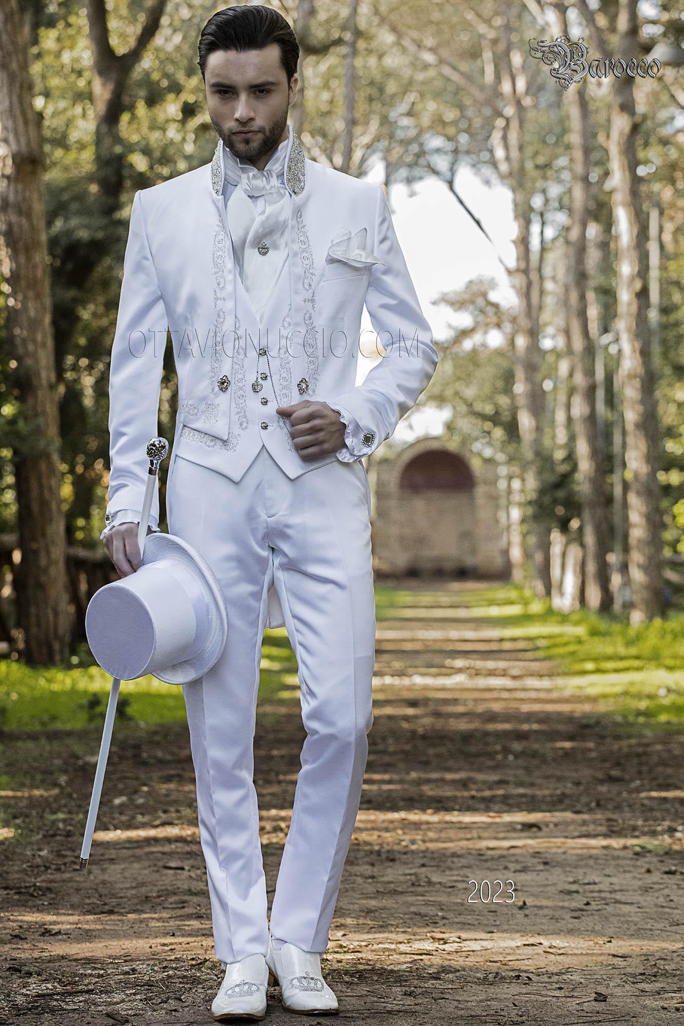 Italienische Barock anzug weißer satin frack mit silberstickerei