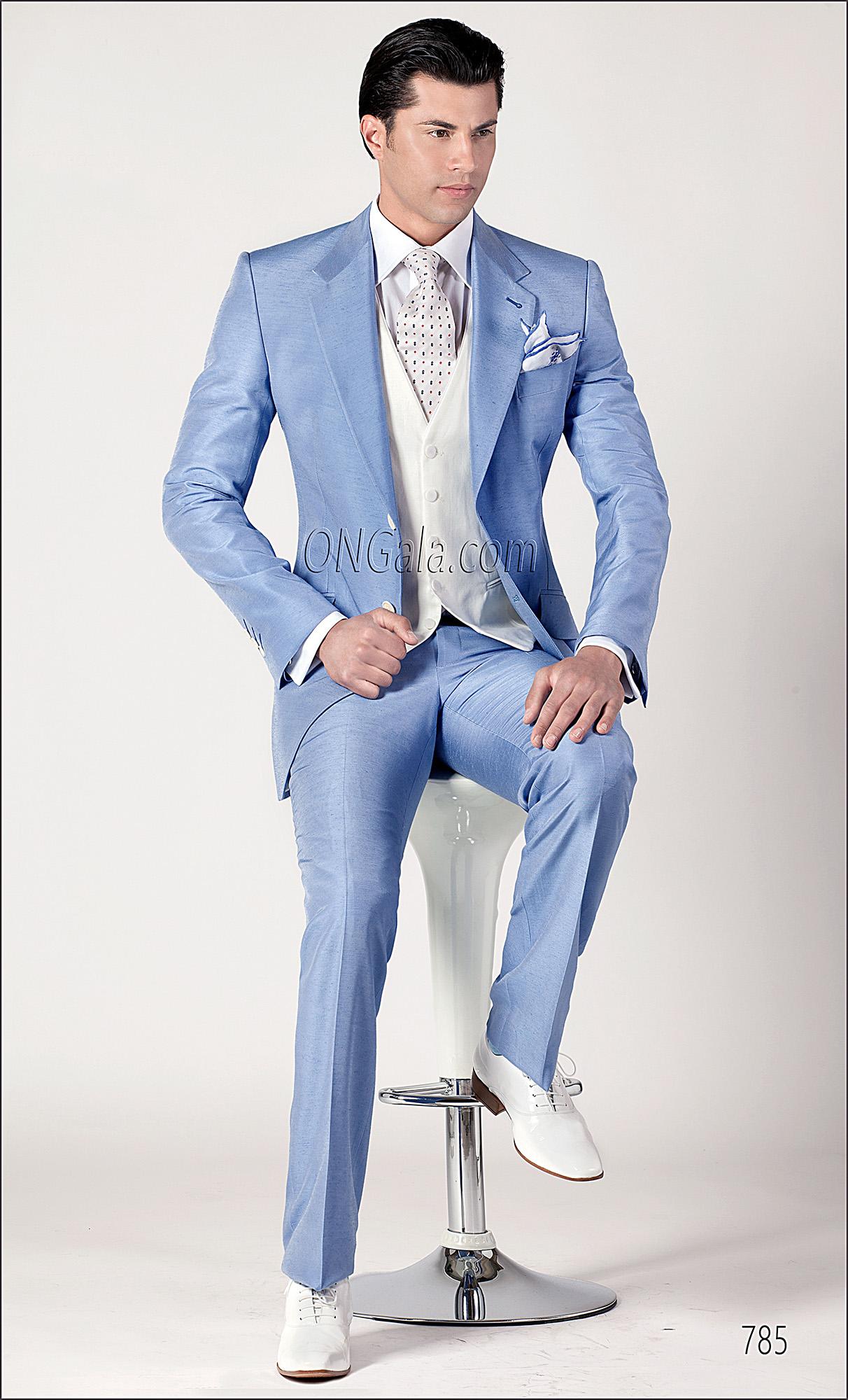 Vestito Matrimonio Uomo Azzurro : Abito da cerimonia uomo in shantung celeste