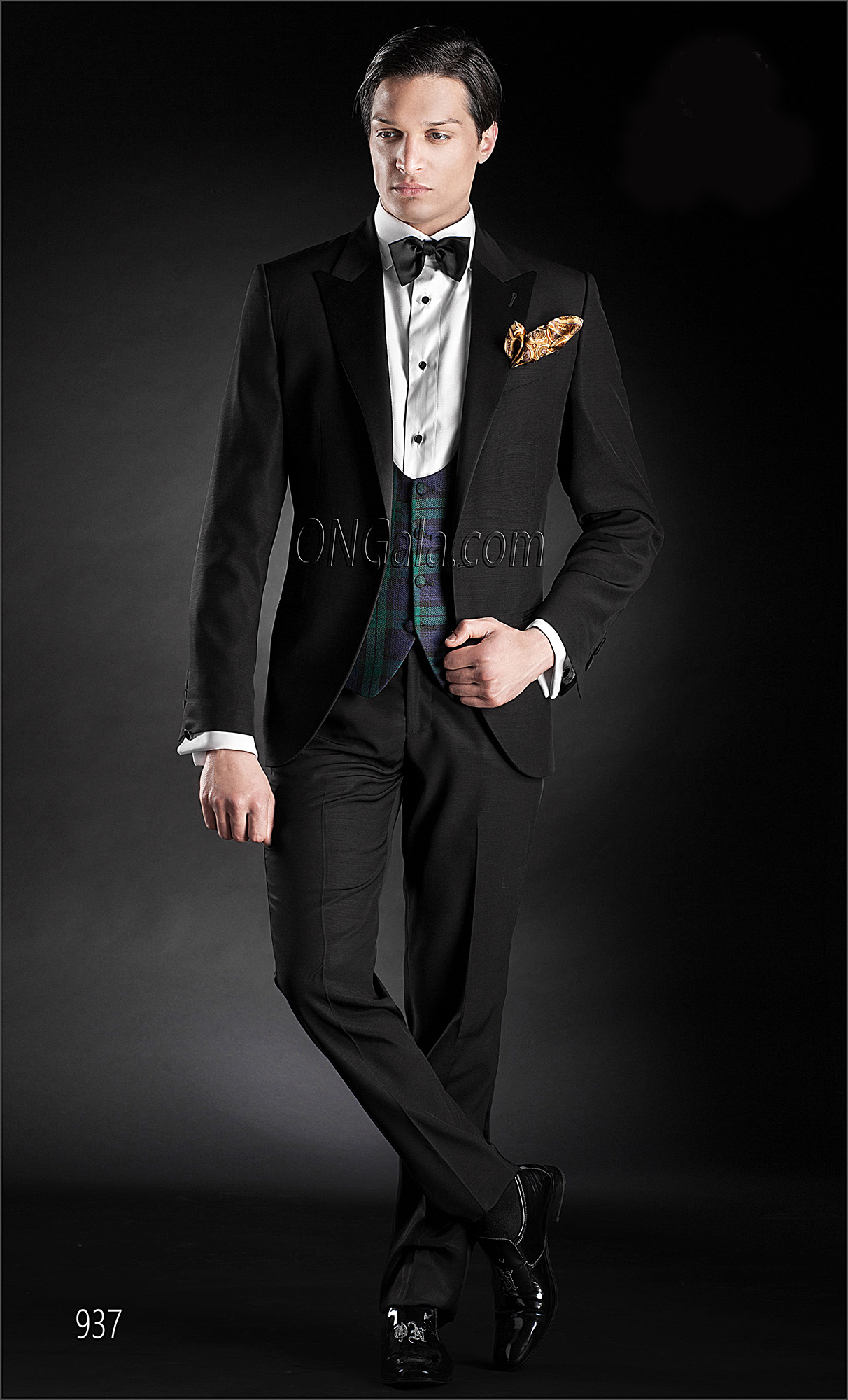 Black italian groom tuxedo with tartan waistcoat