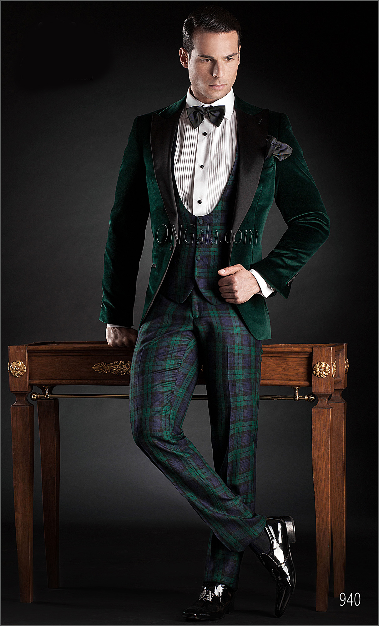 Velvet Italian Tuxedo With Jacket In Green