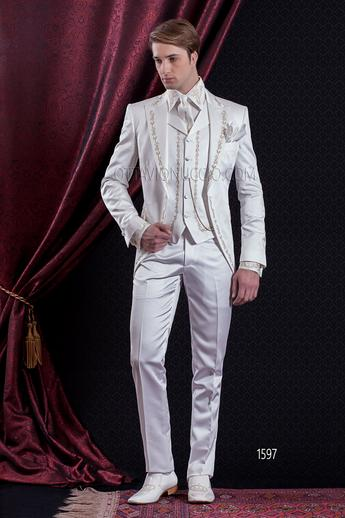 ONGala 1597 - White and gold peak lapel Italian luxury tuxedo