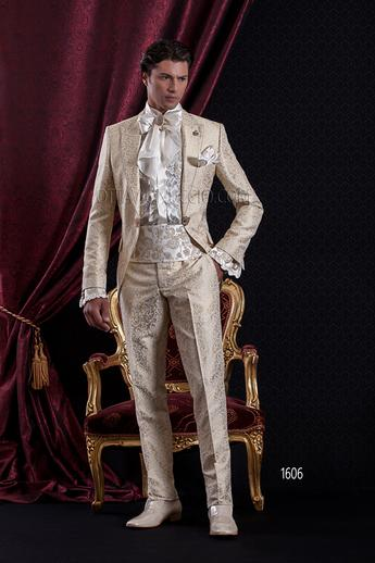 ONGala 1606 - Gold brocade peak lapel luxury suit