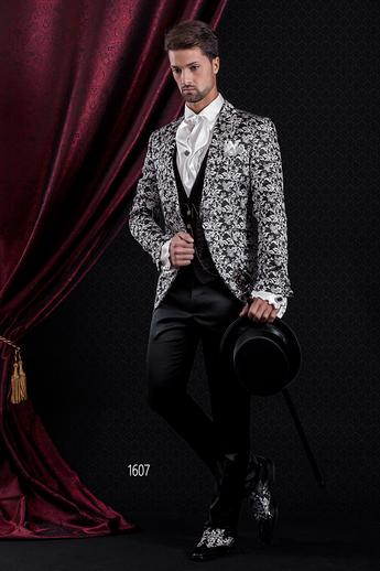 ONGala 1607 - Black and silver peak lapel italian luxury suit