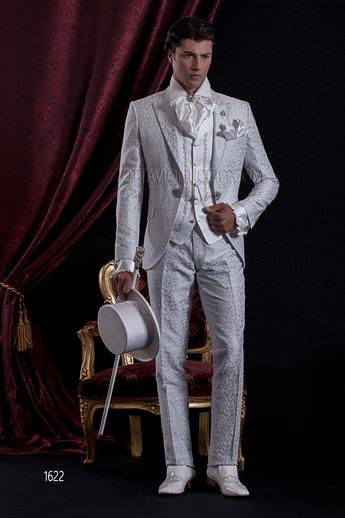 ONGala 1622 - Peal gray and silver peak lapel luxury suit