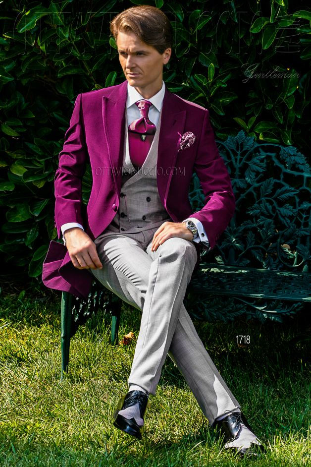 ONGala 1718 - Maroon and gray peak lapel morning coat