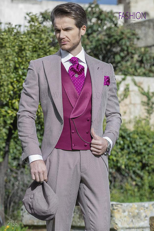 ONGala 2155 - Morning dress in burgundy hound's tooth fabric with waistcoat in tone