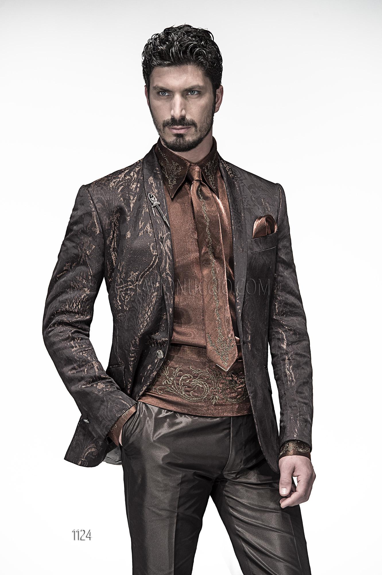 Fashion Matrimonio Uomo : Abito da cerimonia uomo con giacca marrone rever sciallato