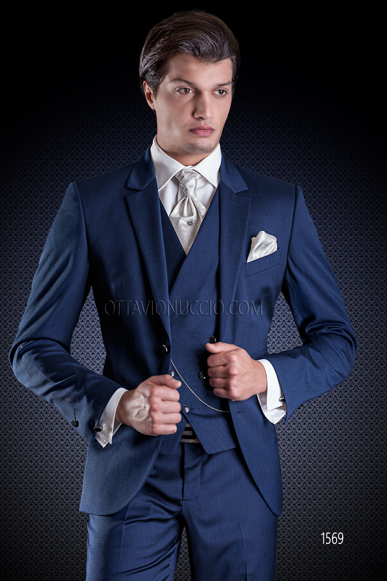Outfit Matrimonio Uomo Gilet : Abito cerimonia uomo blu elettrico con gilet doppiopetto