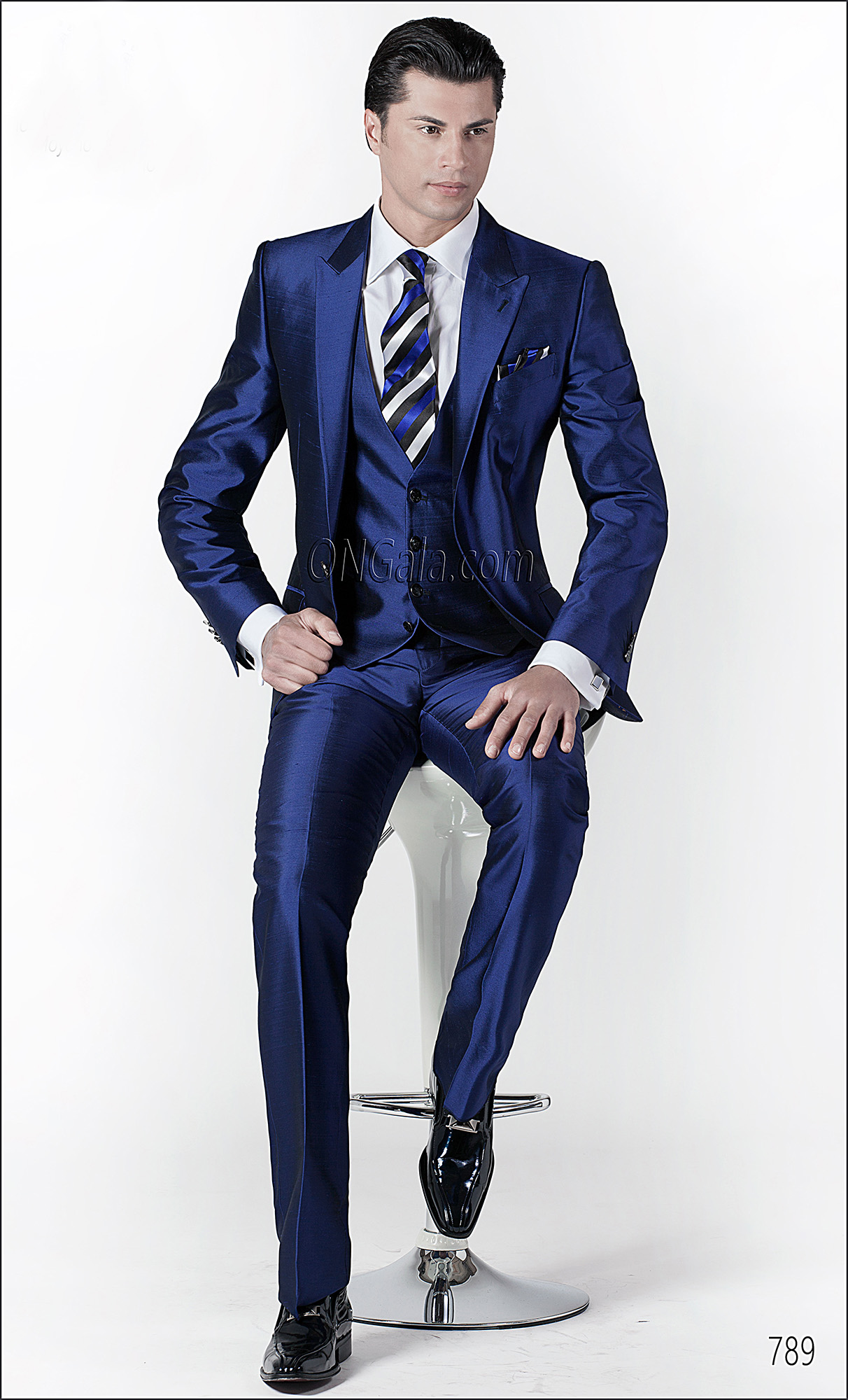 Fashion Suits in Royal Blue Silk Blend Shantung