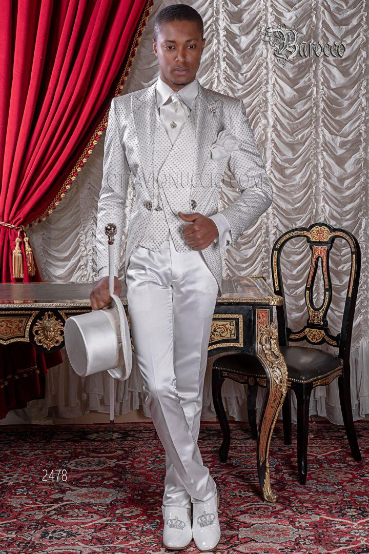 Abito sposo cerimonia uomo barocco in raso bianco ricamato