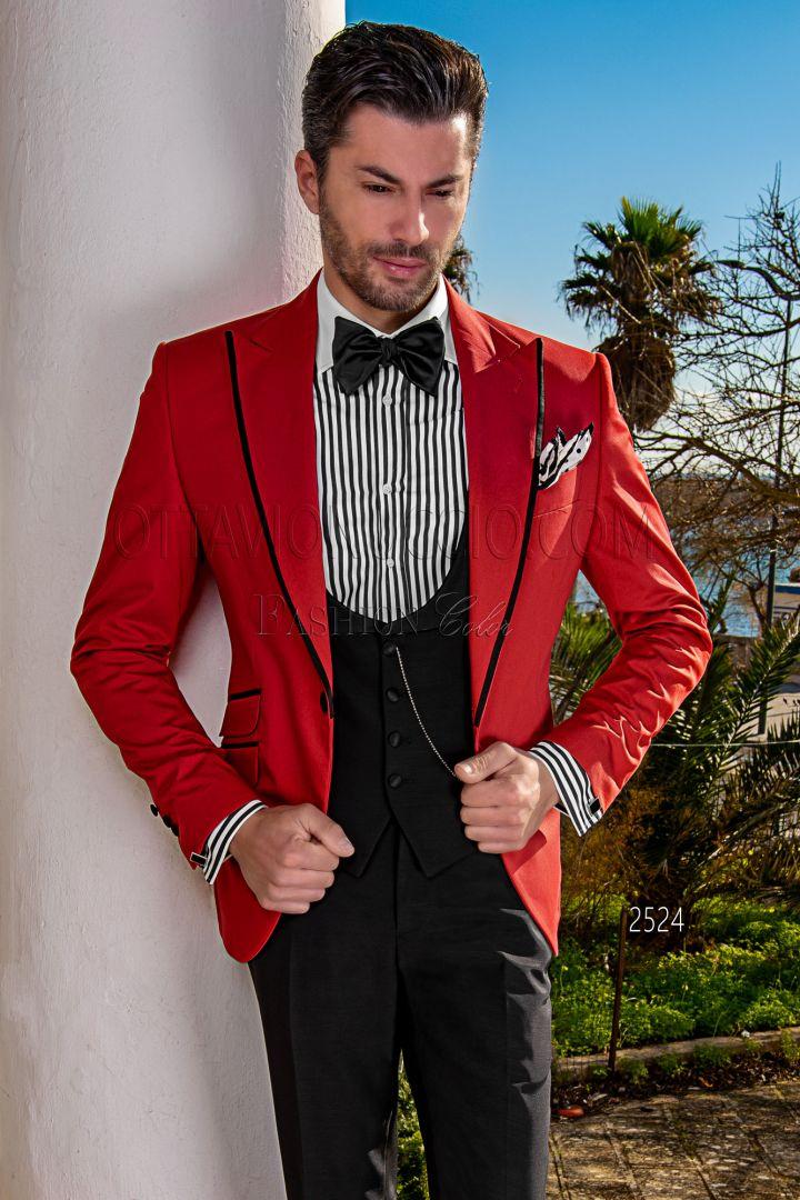 Chaqueta Blazer roja de algodón con vivos y pantalón negro