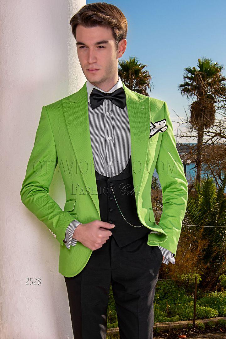 Blazer verde en piqué de algodón con chaleco y pantalón negros