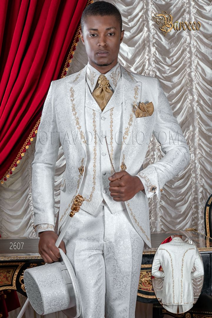 Abito sposo uomo ricamato di lusso broccato bianco ricami oro