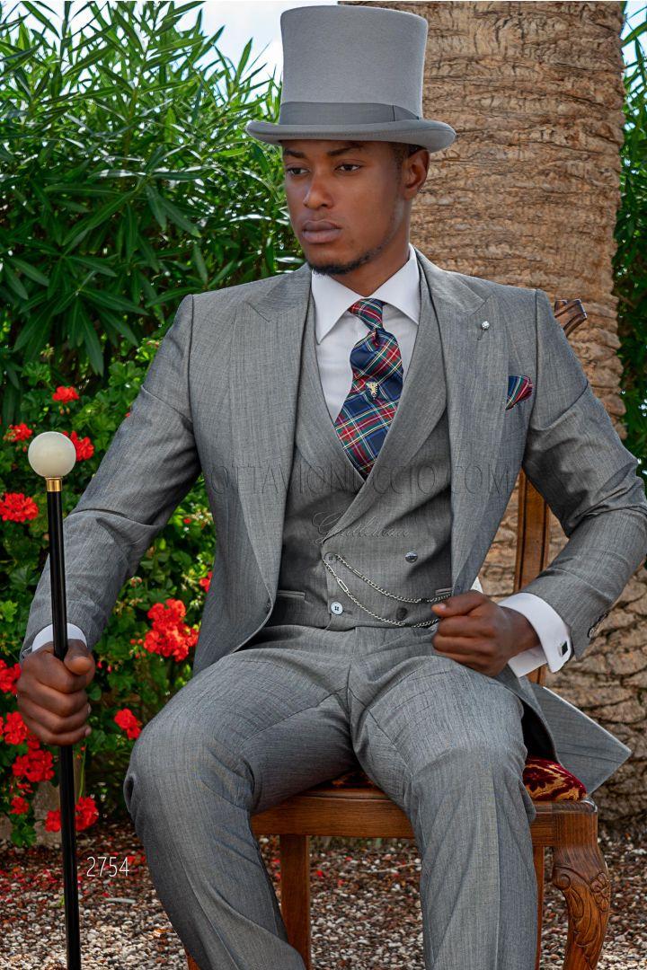 Tight grigio antracite con Gilet doppio petto e Cravatta