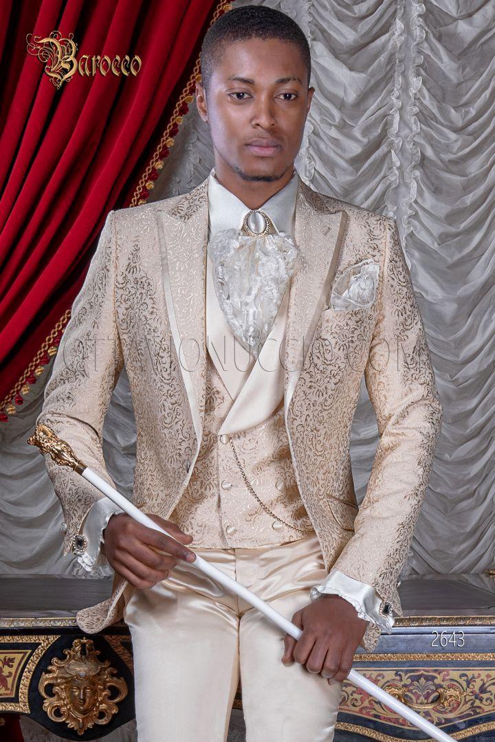 Abito damascato beige sposo per cerimonie stile barocco di lusso