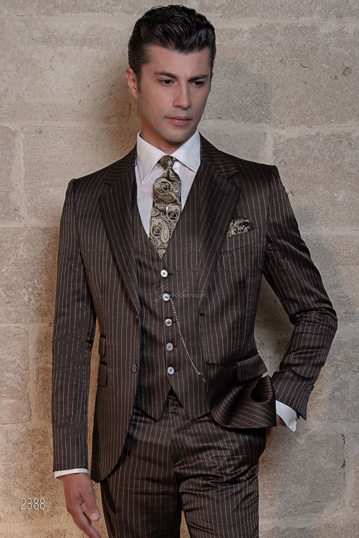 Traje italiano raya diplomática marrón fashion de ceremonia