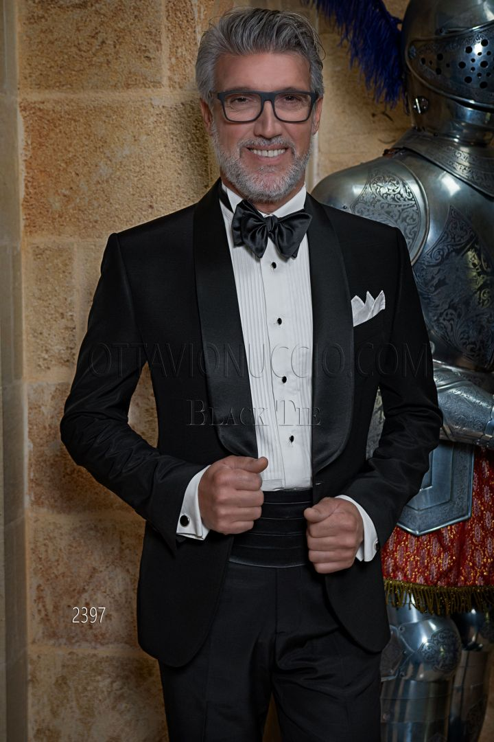 Smoking sciallato nero abito elegante uomo