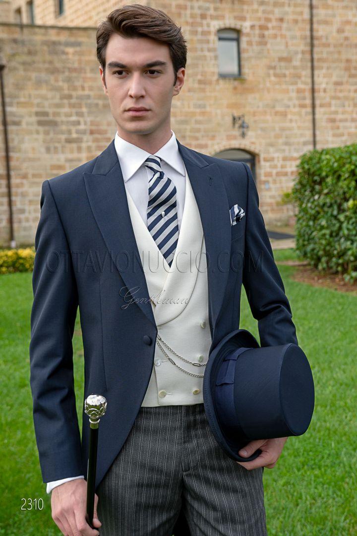 Chaqué italiano clásico de novio azul y pantalón de corte gris