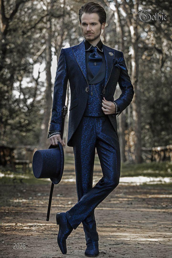 Traje de novio Gótico, levita de época en brocado azul con cristales strass en las solapas