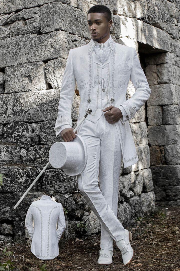 Gothic bräutigam anzug in weißem brokat mit silberstickerei