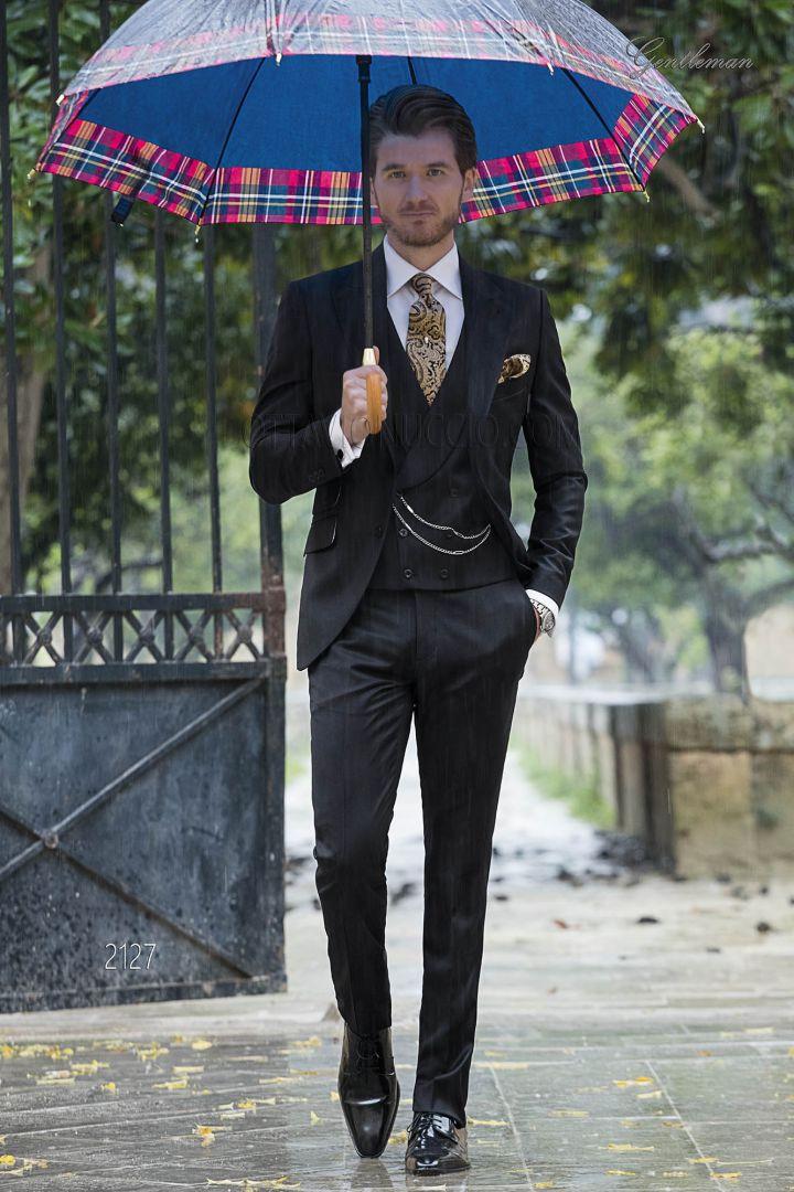 Italian dress suit for men in black super fine wool