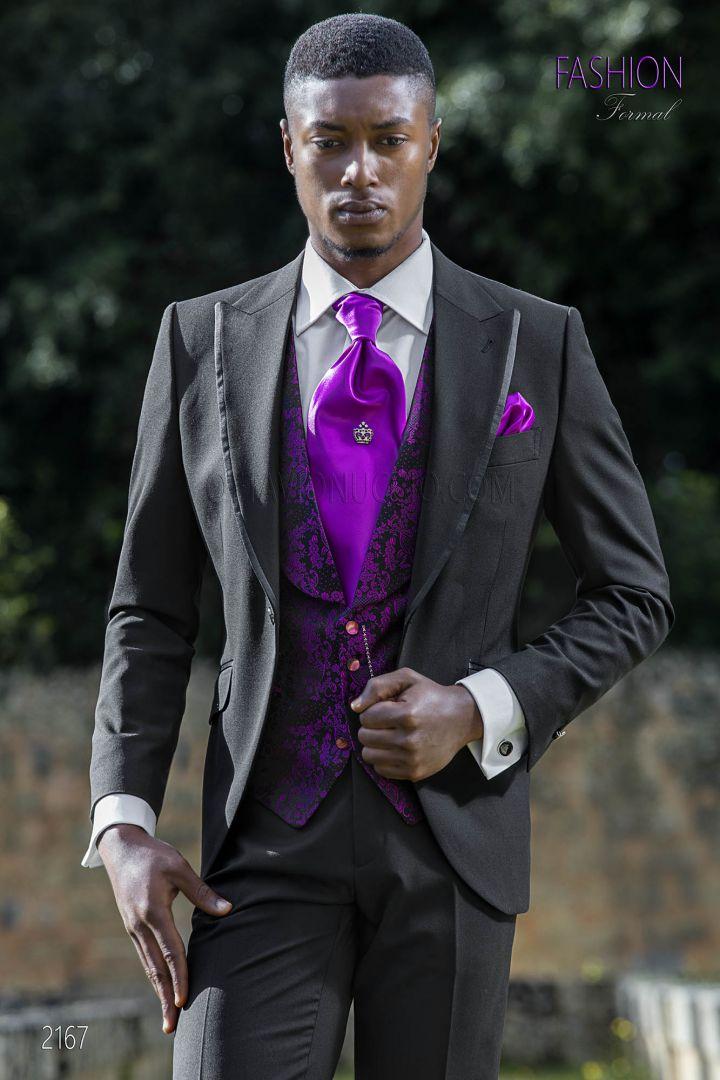 Traje de novio negro con chaleco de seda