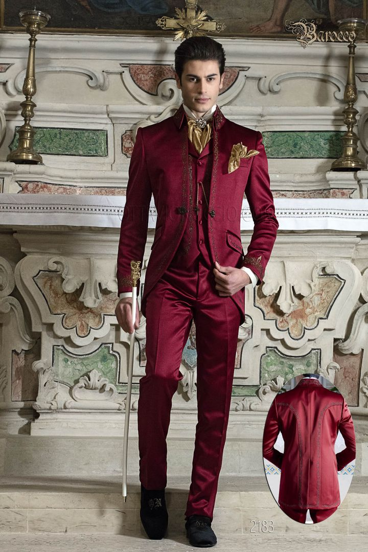 Red suit in satin with golden embroidery and napoleon collar
