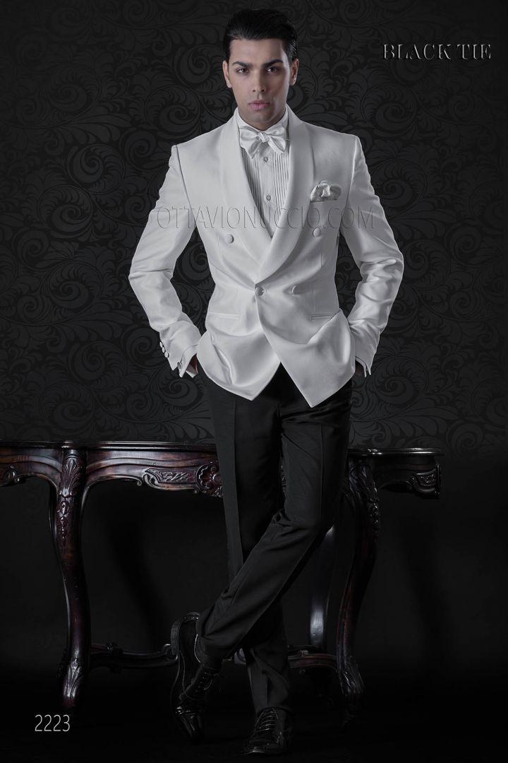 Esmoquin blanco cruzado con pantalón negro