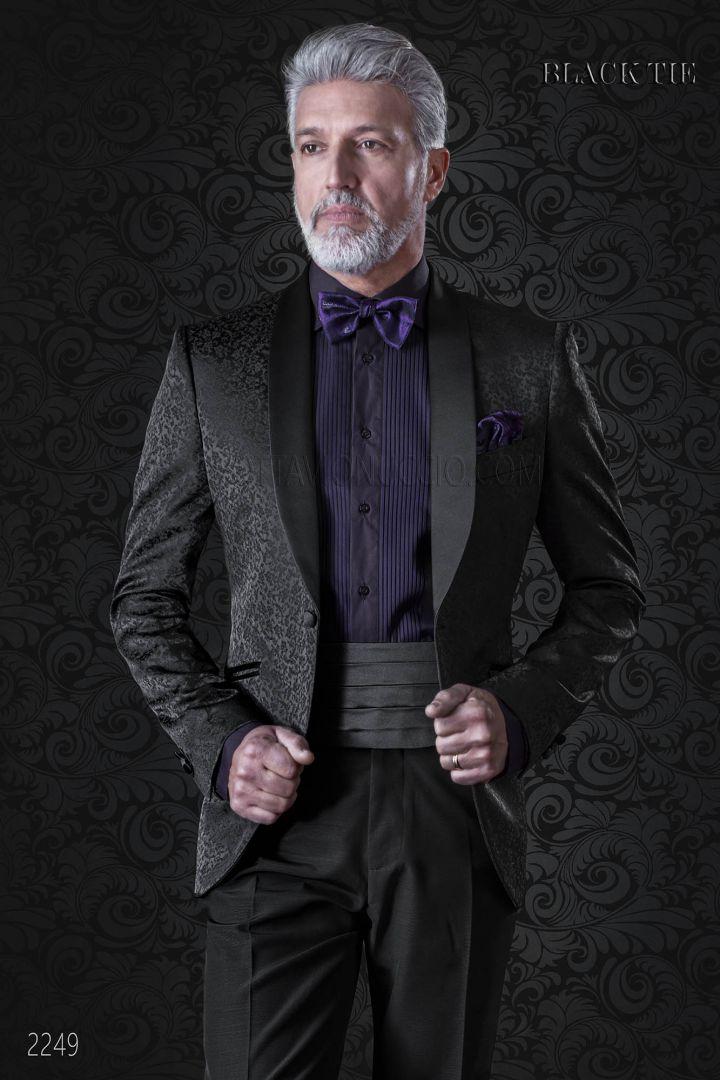 Esmoquin negro jacquard solapa chal de raso y pantalón negro