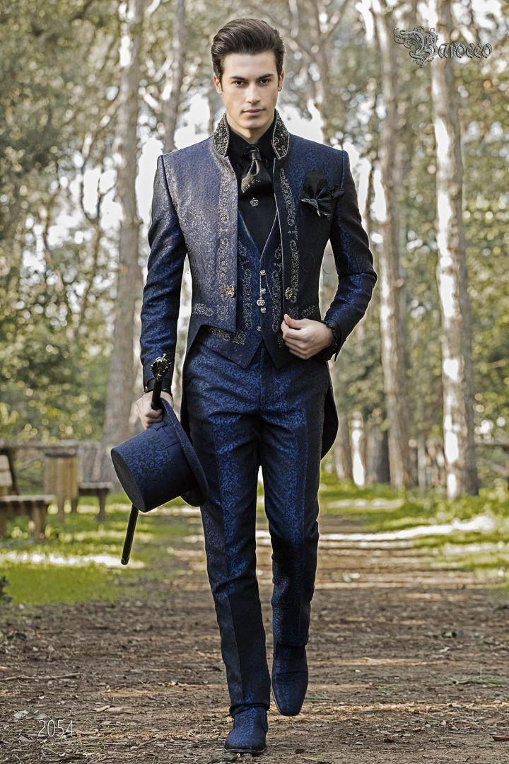 Queue-de-pie gothique damassé bleu avec broderie d'argent